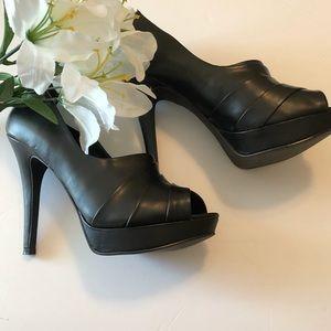 Elle Genevieve Platform Heels